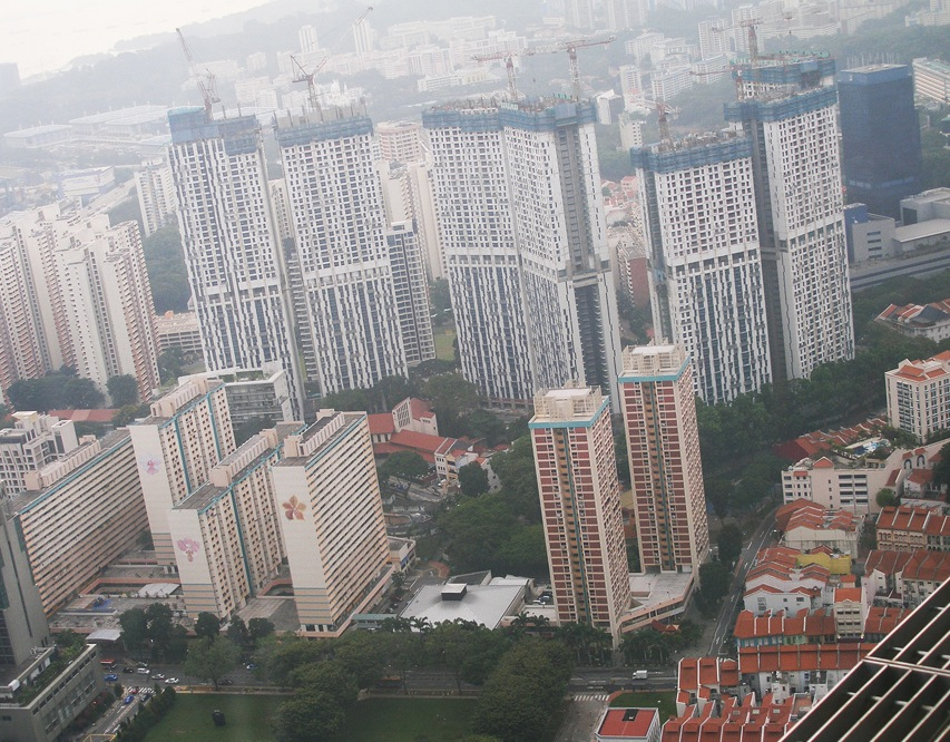 :Residential towers under construction b 2.jpg